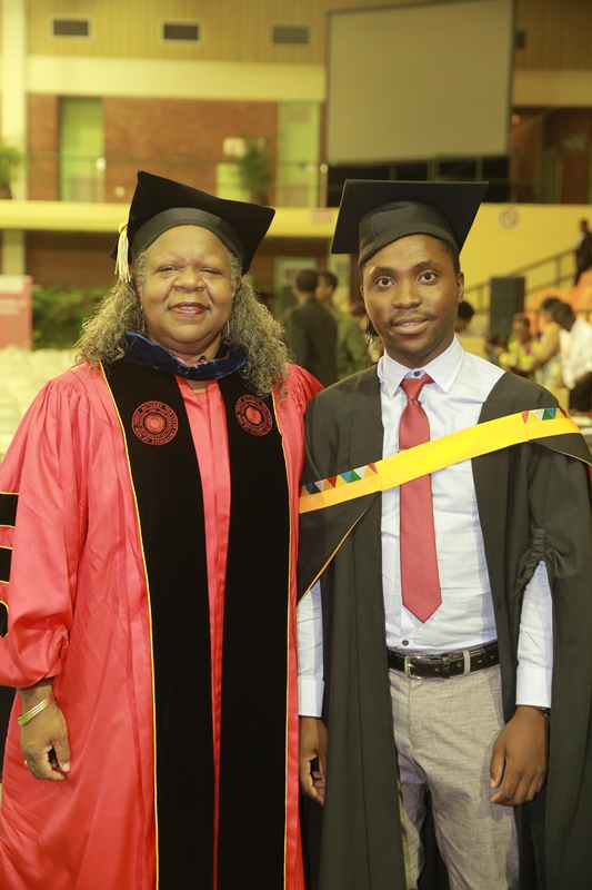 Dr_Fayth_Ruffin_with_her_student