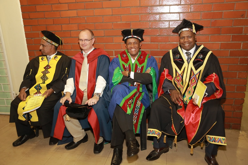 Members_of_the_academic_procession