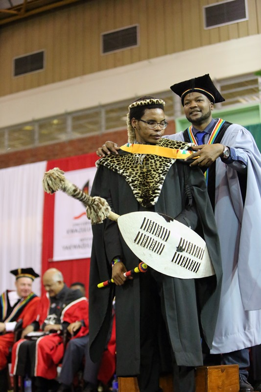Zulu_warrior_at_grad_-_Sbusiso_Blessing_Mbutho