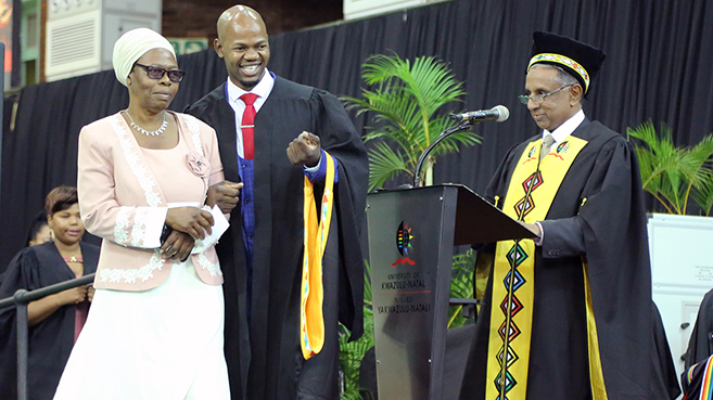 Graduate Learned to Cope with Blindness