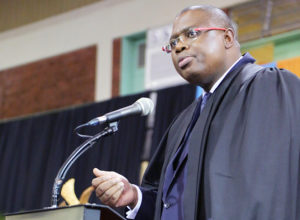 Guest speaker Mr Faisal Mkhize, Managing Principal of Absa Group in KwaZulu-Natal, addressing Commerce graduates.